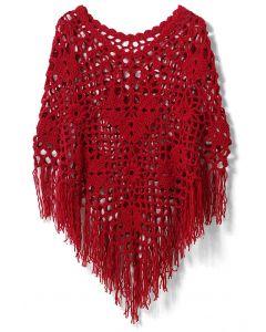 Delicada Capa Roja con Flecos Tejida a Mano