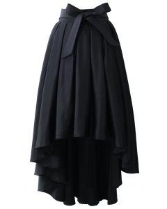 Falda Negra Asimétrica Estilo Cascada con Lazada