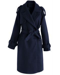 Abrigo ajustado de mezcla de lana con doble botonadura en azul marino