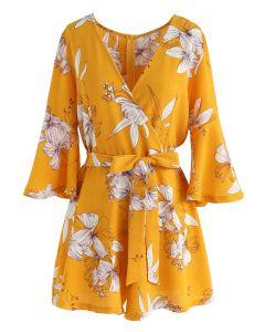 Traje de baño envuelto floral de Bold Blooms en amarillo