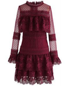 Vestido de malla de ganchillo con gradas Sweet Destiny en vino