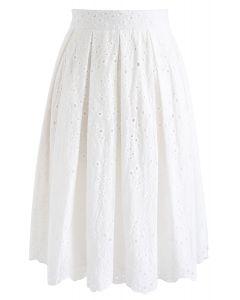 Falda plisada de belleza Eyelet en blanco