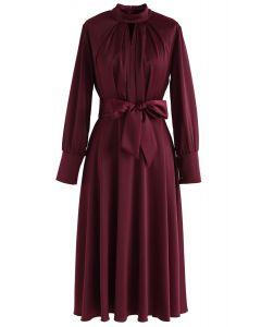 Agarra el vestido de satén Bowknot Spotlight en vino