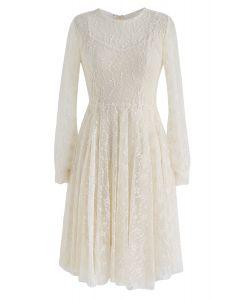 Vestido de encaje Once Upon a Dream en crema