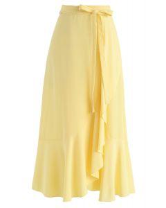 Falda midi con volantes asimétricos de base simple en amarillo