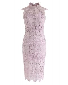 Vestido a media pierna crochet de diamantes y flores en rosa